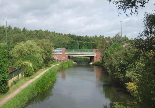 Wyrley & Essington Canal - Becks Bridge
