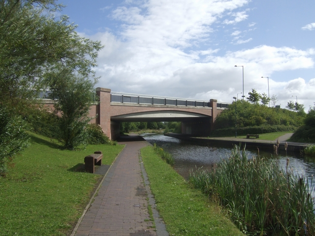Wyrley & Essington Canal - Heath Town Bridge