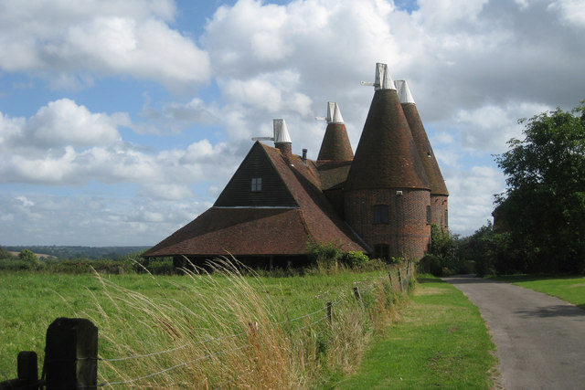 Oast House At Larkins Farm 169 Oast House Archive Cc By