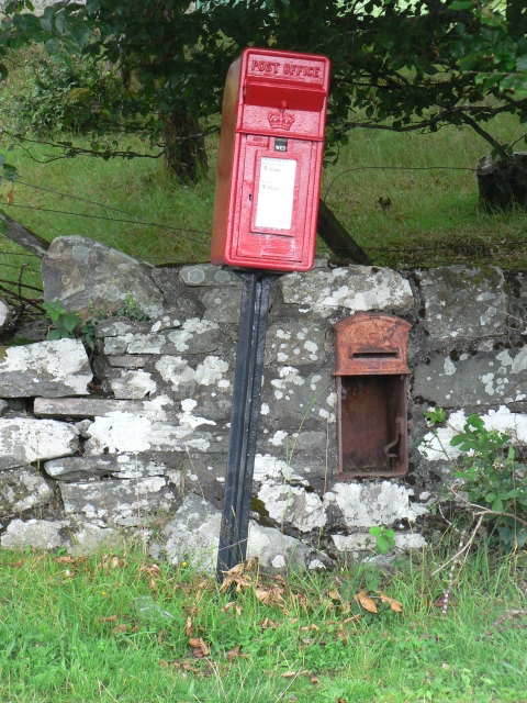 Mingarry: old and new postboxes, № PH36 84