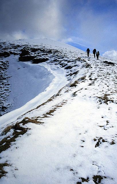 Ascending the west ridge of Ladhar Bheinn