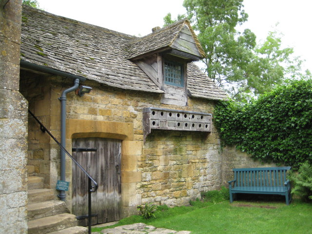 Living quarters & dovecote