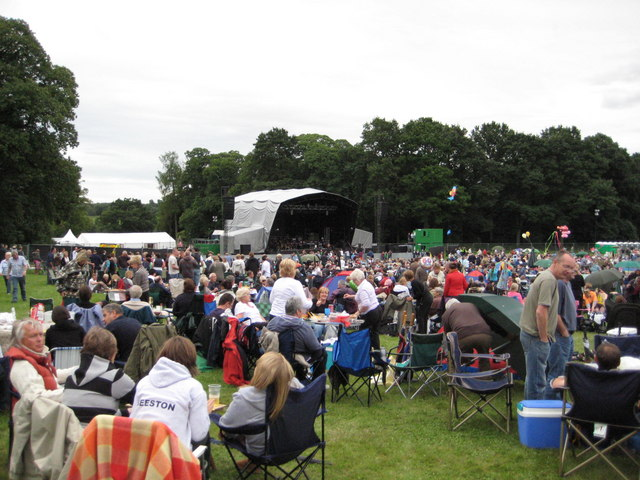 Picnic time at Clumber concert