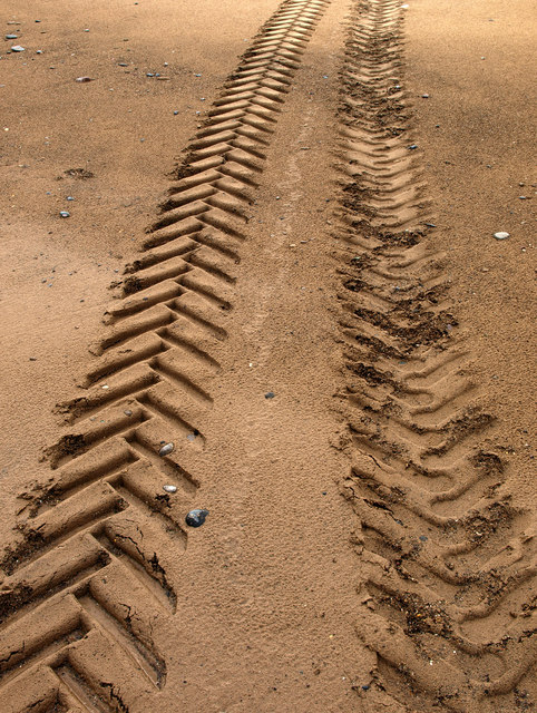 Tractor Tyre Marks in the Sand © Andy Beecroft :: Geograph Britain and Ireland
