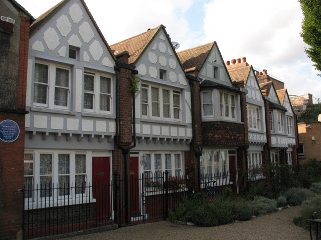 Cottages in Red Cross Garden