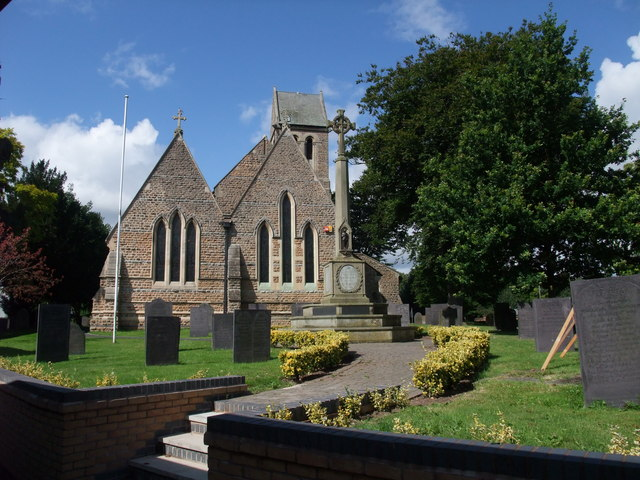 Church of St Mary, and War Memorial, Radcliffe on Trent