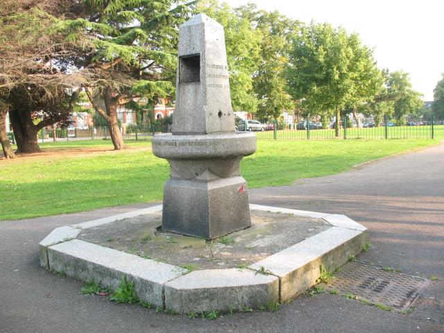 Metropolitan Drinking Fountain, Penge