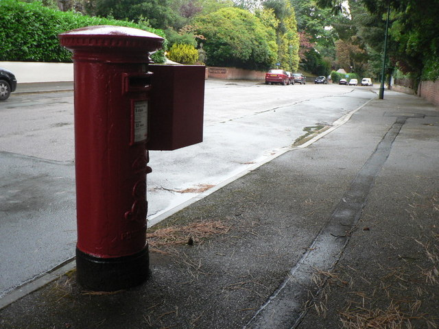 Bournemouth: postbox № BH4 120, McKinley Road