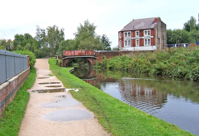 Limekiln Bridge, Staffordshire & Worcestershire Canal