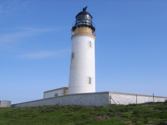 Noup Head lighthouse from behind