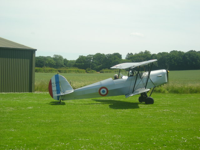 Taxiing at Wellcross Grange