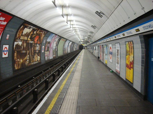 Stockwell tube station, Northbound Victoria Line platform 1