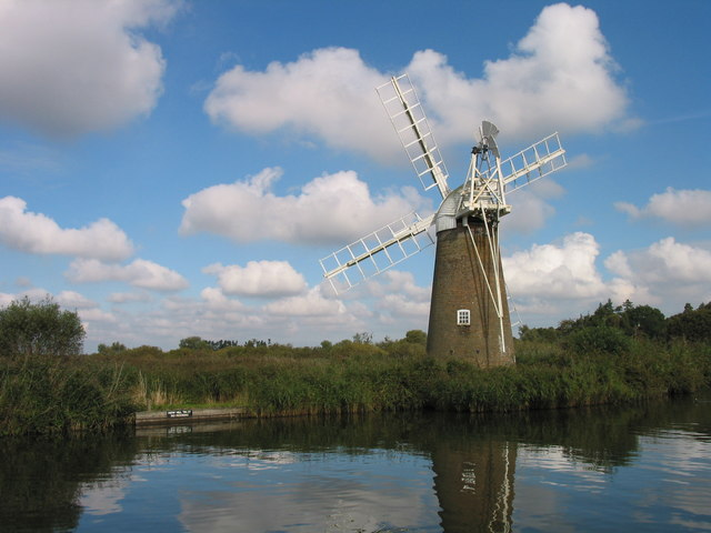 Hunsett drainage mill on the River Ant