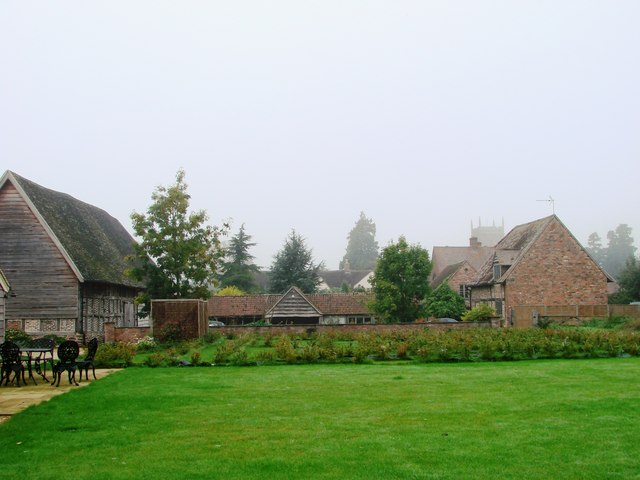 Tythe Barn & St. Mary the Virgin, Frampton-on-Severn