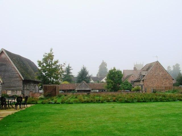 Tythe Barn & St. Mary the Virgin, Frampton-on-Severn