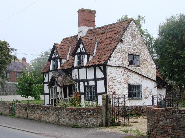 Frampton-on-Severn, aging beauty
