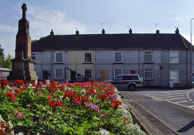 War memorial and New Row, Messingham