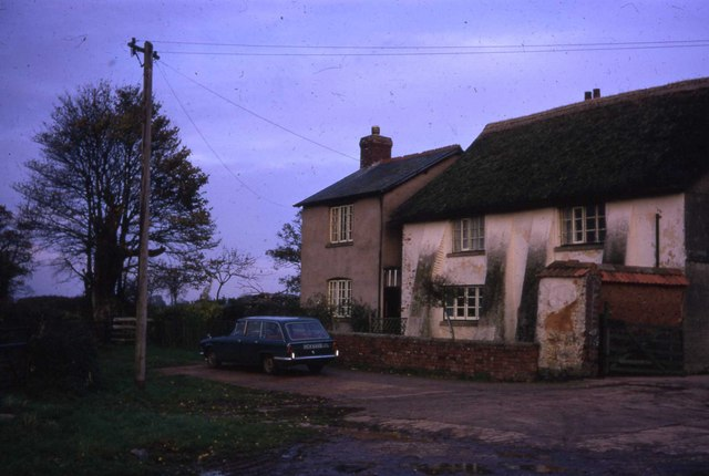 Hill Barton Farmhouse and Cottage
