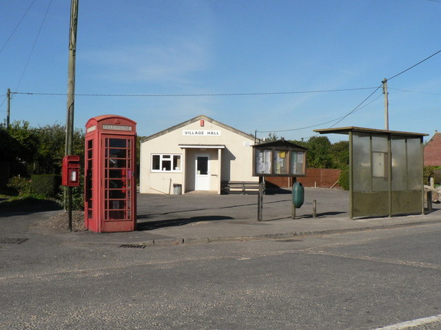 Winterborne Kingston: postbox № DT11 90 and phone