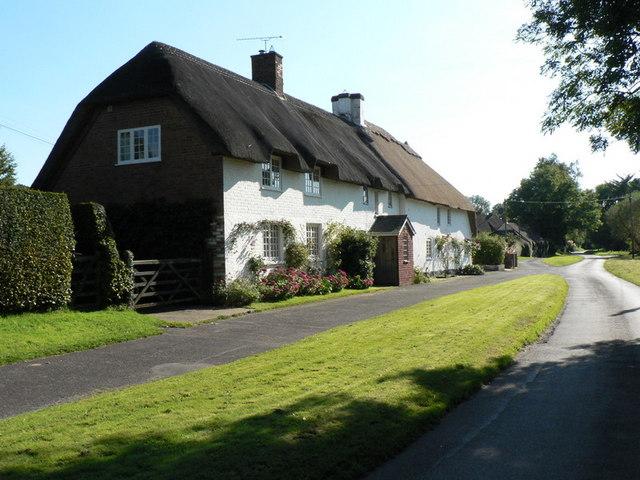 Winterborne zelston brookside and ford chris downer for Brookside cottages
