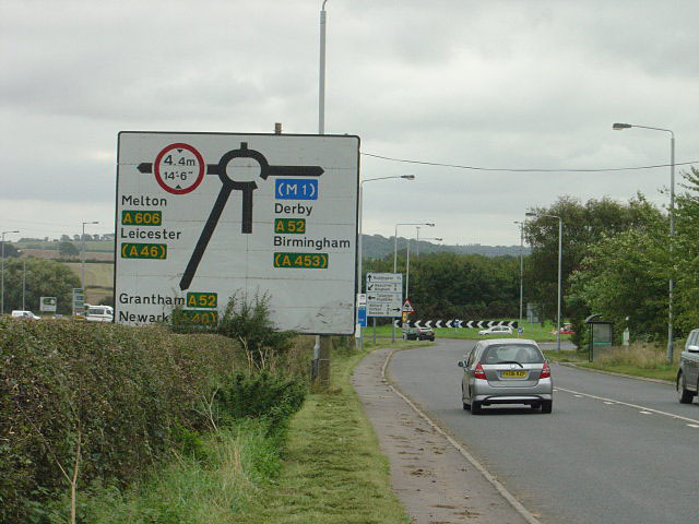 Approach to the Ring Road roundabout