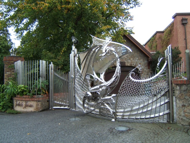 The dragon gates at harlech house jp geograph ireland