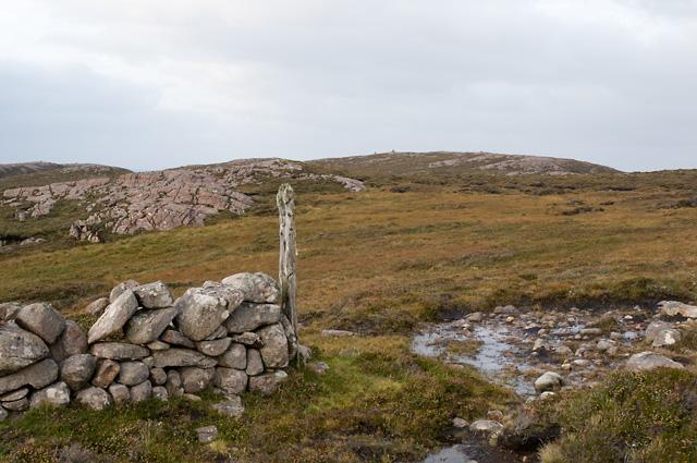 Drystane Dyke and Fence Post on Rubha Mòr
