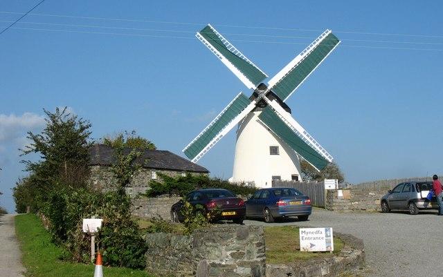 The entrance to Melin Llynnon