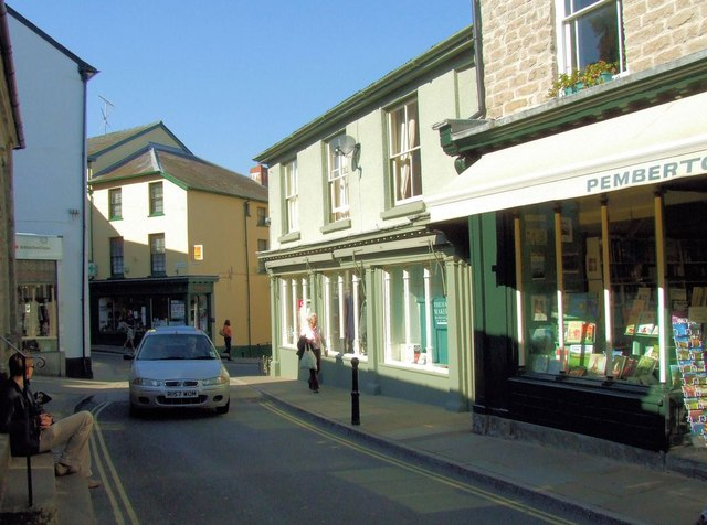 High Town, a narrow street