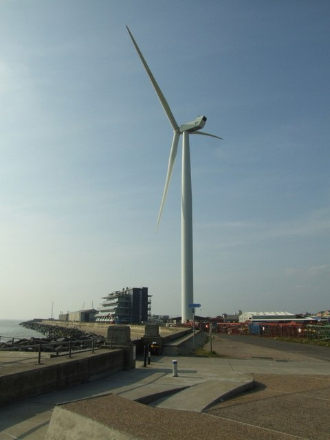 Wind turbine at Lowestoft Ness