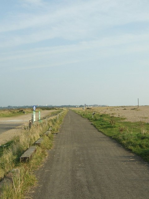 Sea front path to Thorpeness