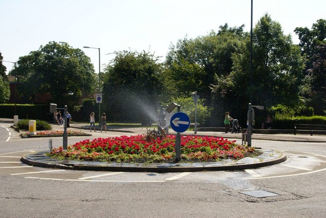 A Letchworth GARDEN City roundabout