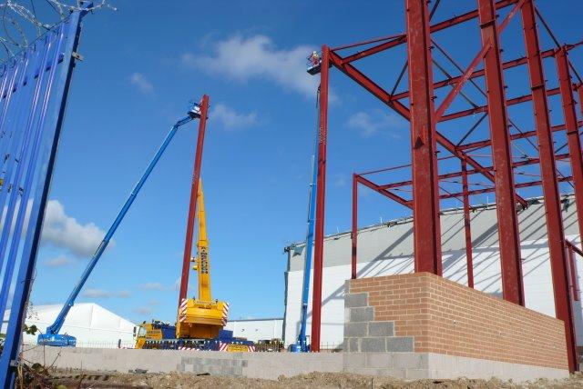 Erection of steel Frame Building, Yeovil (2)