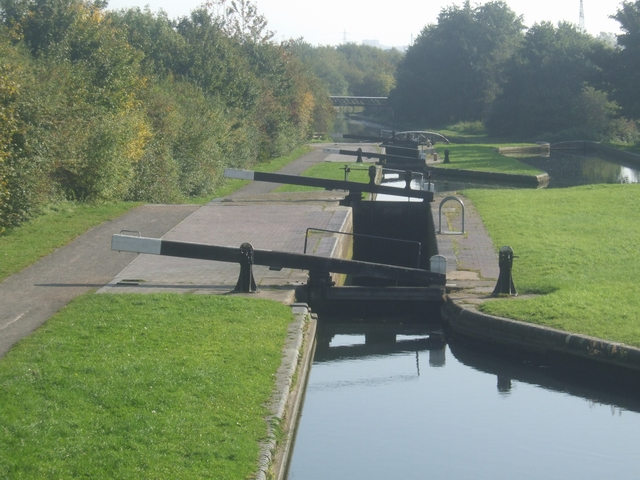 Factory Junction Middle Lock