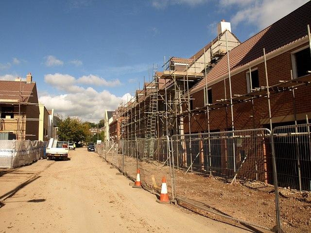 New housing, Norton Fitzwarren © Derek Harper cc-by-sa/2 0