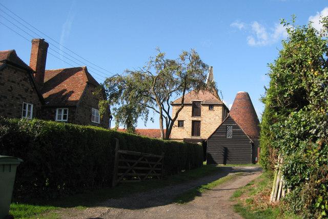 Oast Houses at Clockhouse Farm, East Street, Hunton, Kent
