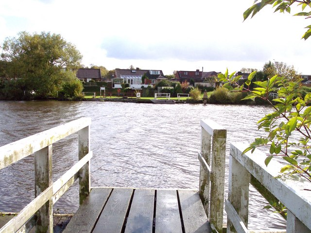 Thelwall Ferry on Manchester Ship Canal