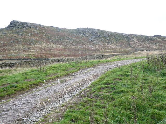 Bridleway going towards Embsay Moor