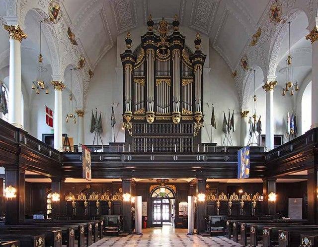 St Clement Danes, Strand, London WC2 - West end organ
