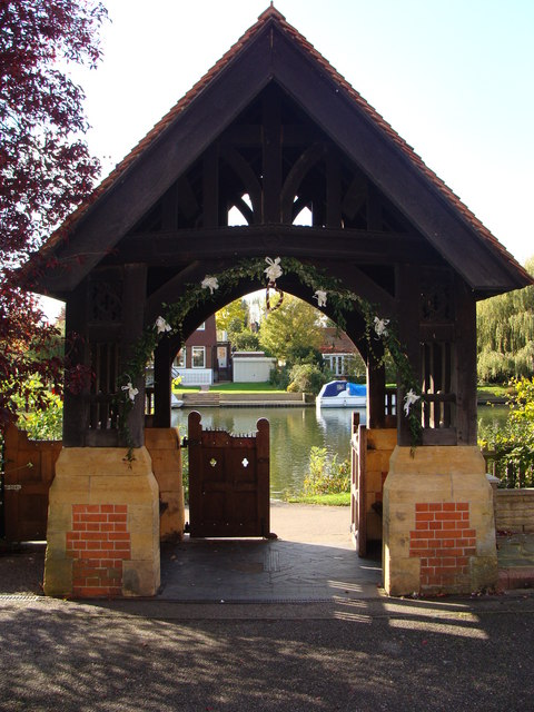 Lych gate, St Peter's Church