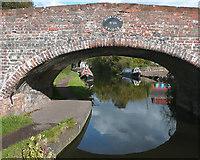 SO8689 : Hinksford Bridge No 38, near Swindon, Staffordshire by Roger  Kidd