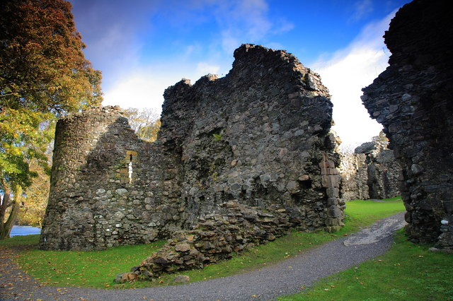 Old Inverlochy Castle, north wall and gate.