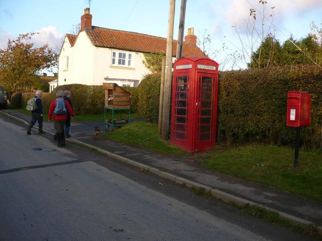Village lane in Skewsby