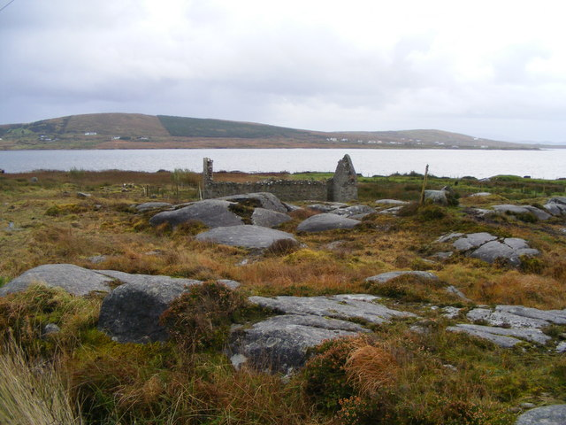 Ruined cottage overlooking Trawenagh Bay - Drumlaghdrid Townland