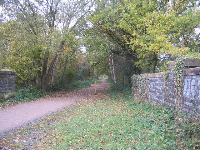 Kenilworth Greenway at Crackley Lane bridge