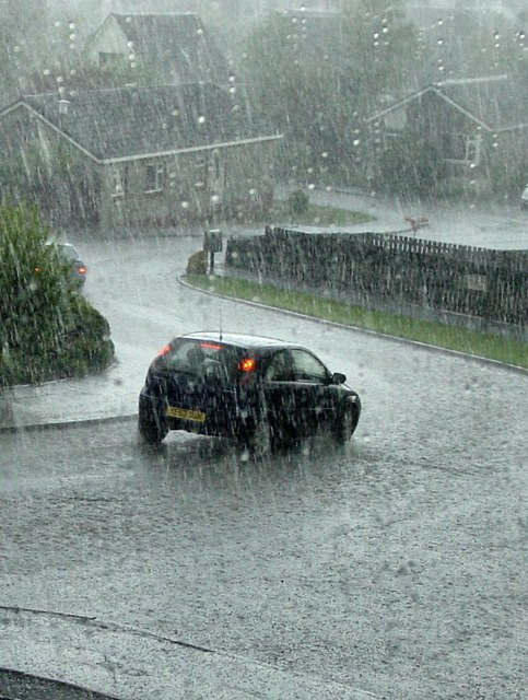 Torrential rain and hail in a thunderstorm at Barons Hill Avenue