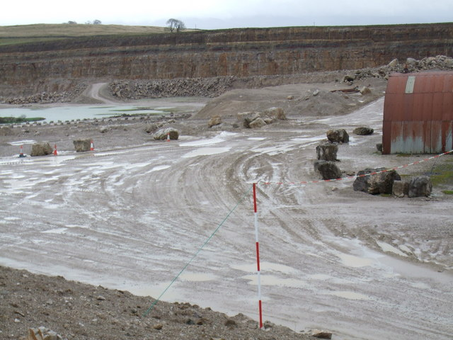 Entrance to Hardendale quarry