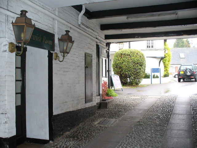 White Horse Hotel Yard
