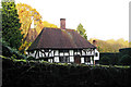 TQ8649 : Wealden Hall House at Elmstone Hole Farmhouse, Elmstone Hole Road, Lenham, Kent by Oast House Archive