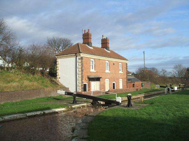 Perry Barr Locks - Lock keeper's cottage - Top Lock